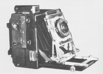 Original Pacemaker Speed Graphic, showing Front Tilt